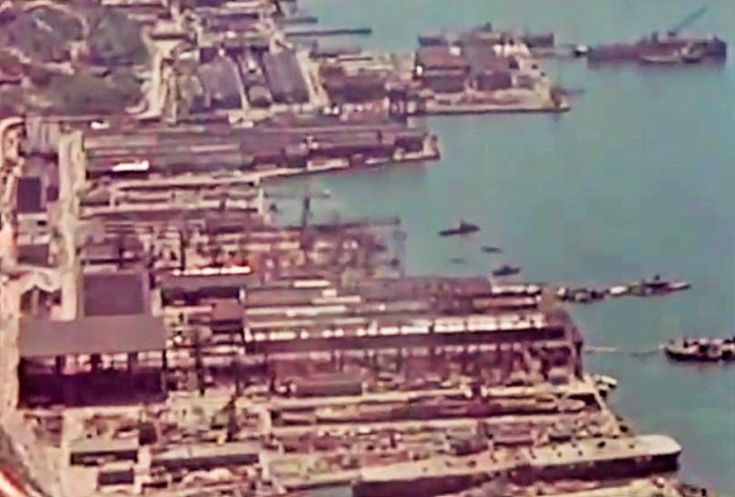 [Montage] Port/arsenal de Kure WWII - 1/700 - Page 2 Kuresu10