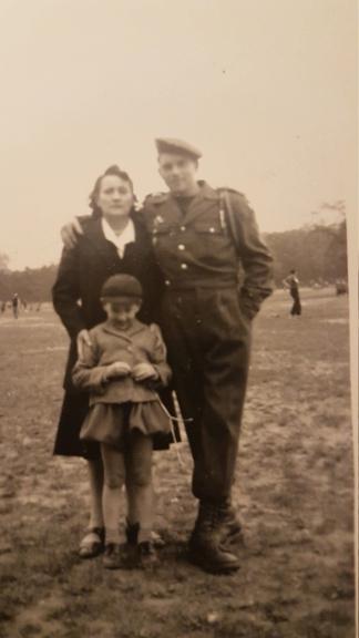 Aide pr identification de la tenue porter par mon grand père  20201211