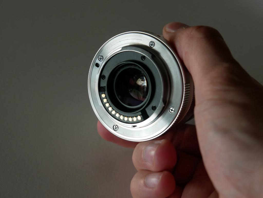 [VENDU] (3e Baisse de prix) Objectif Olympus M Zuiko 12mm F2 Silver 10303010
