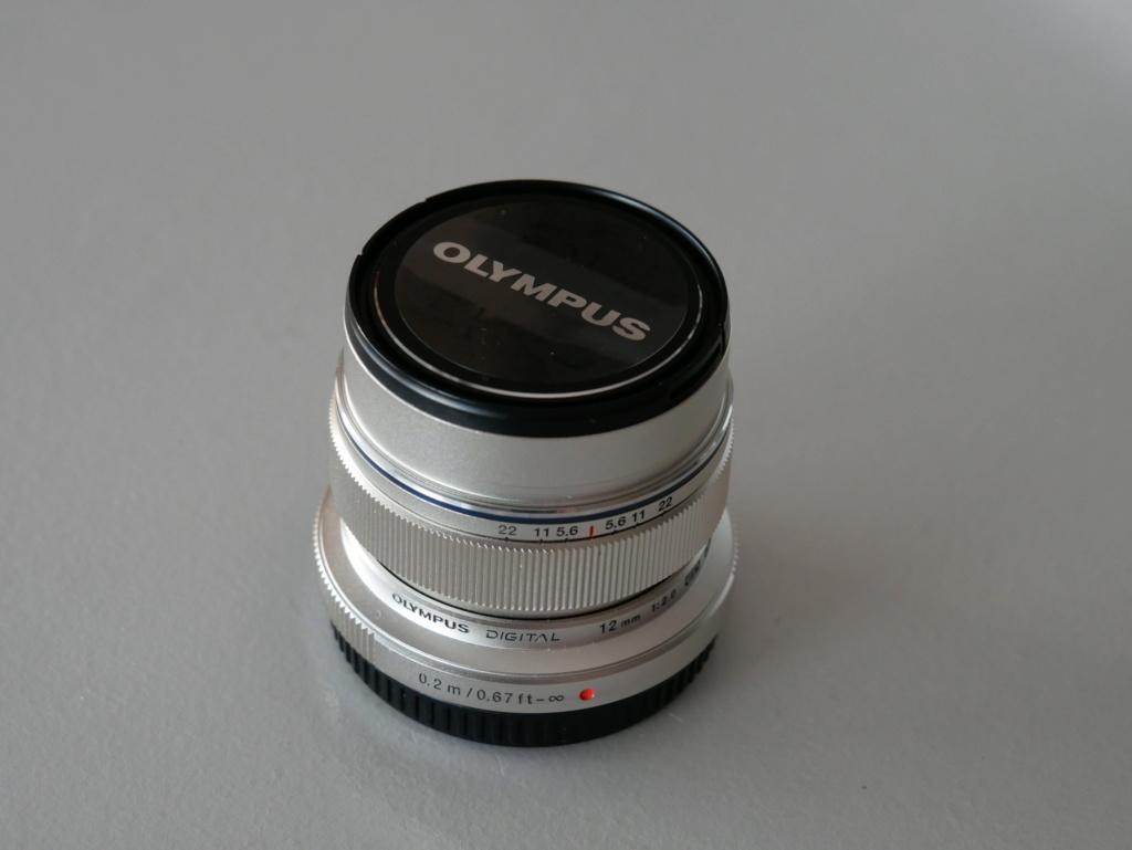 [VENDU] (3e Baisse de prix) Objectif Olympus M Zuiko 12mm F2 Silver 10303012