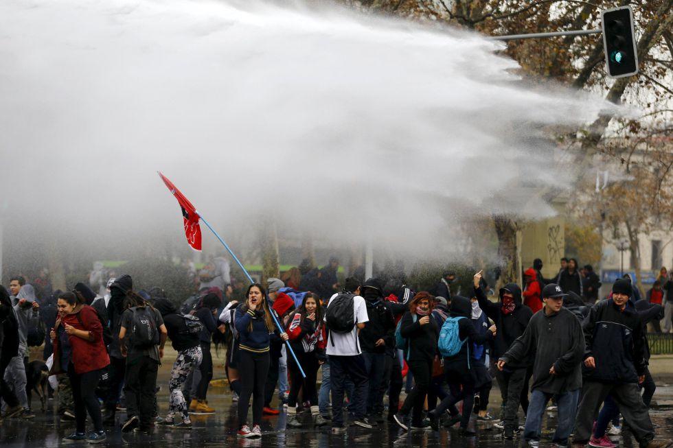 Chile. Referencias para entender la conflictividad social y la situacion proletaria. - Página 4 14328410