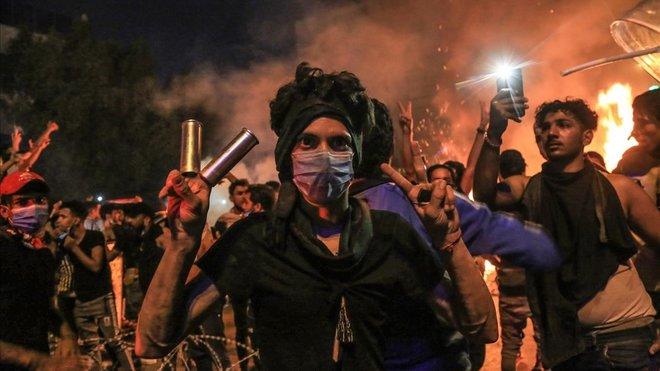 Irak: Crisis políticas, tensiones  sociales  y luchas militares interburguesas. - Página 18 Protes10