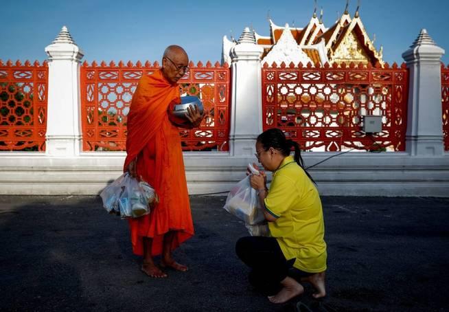 Tailandia: Al menos 8 muertos y 70 heridos en atentados en el sur del Estado. - Página 2 T10