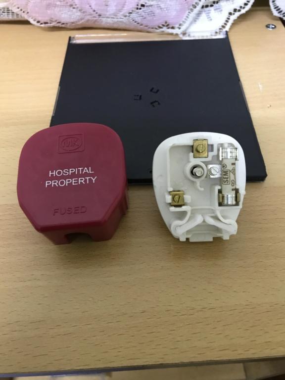 England MK13A hifi plug top 9b031410