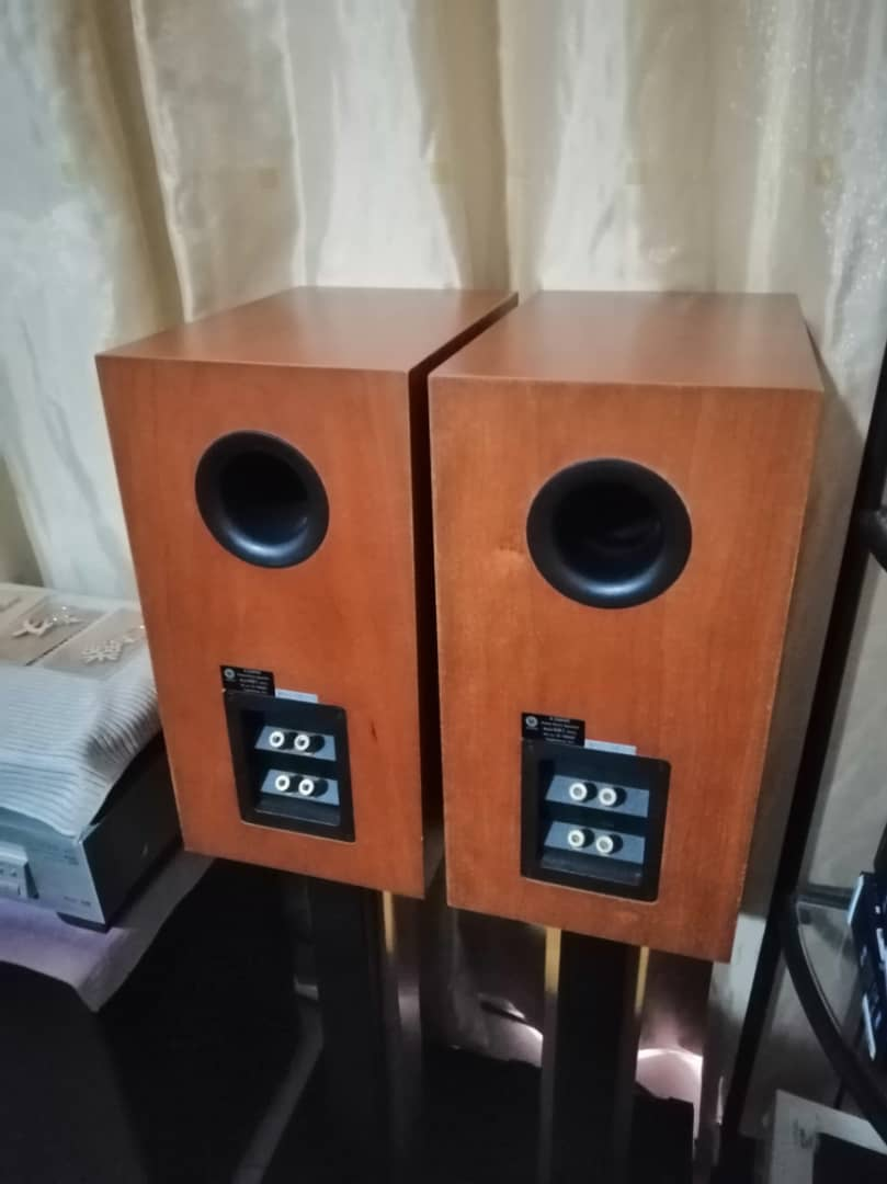 DLS R60 bookshelf speaker Dccfcc10