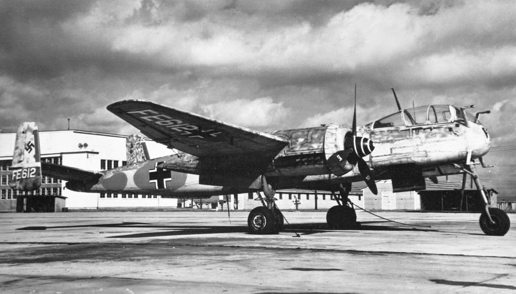 """[Bibliographie] Heinkel he 219 """"Uhu"""" Heinke10"""