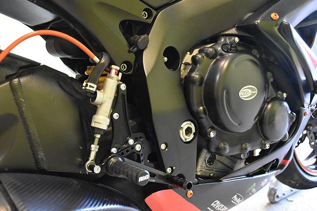 [VENDU] Suzuki 750 GSXR piste / 2007 / 27500 km / 4900€ Dsc_0417