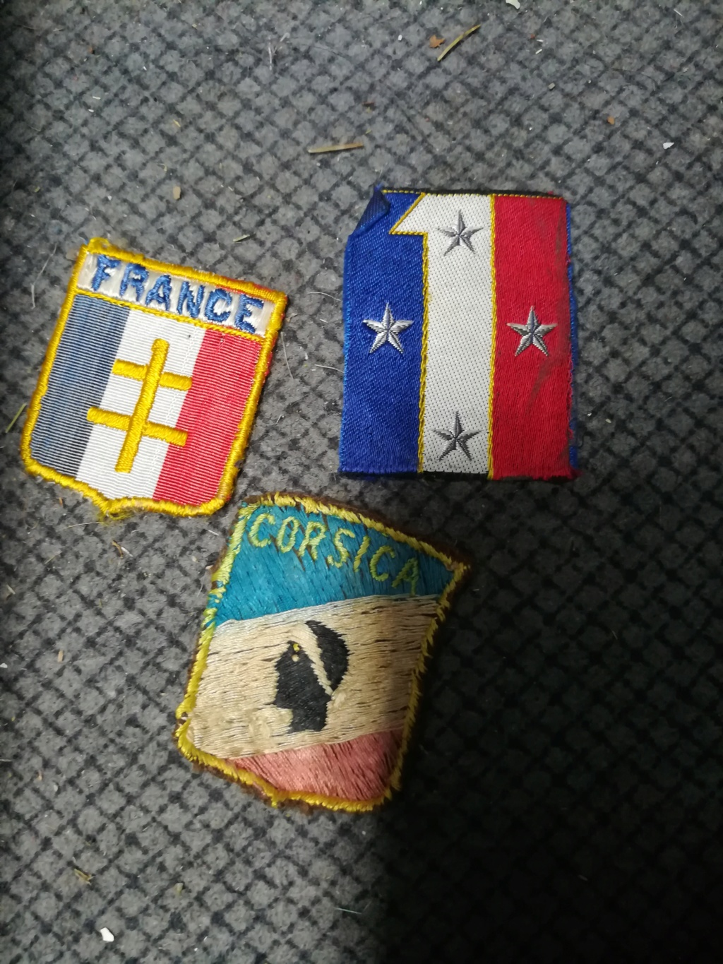 identification insigne  - Page 2 Img_2026