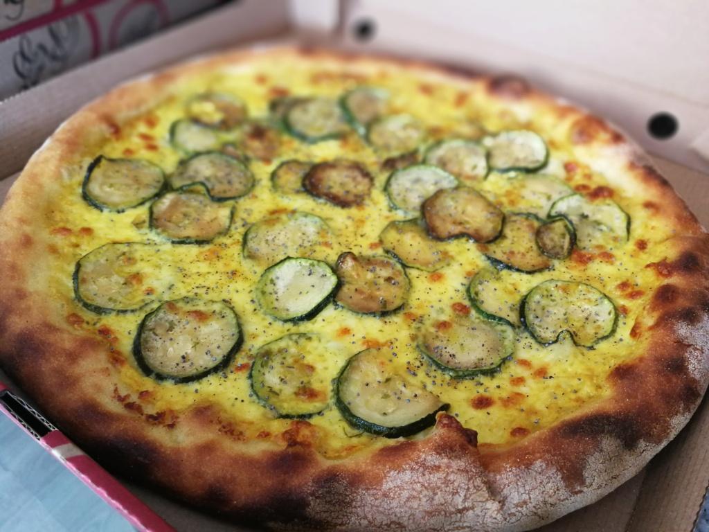 Pizza crème de curry Img_2100