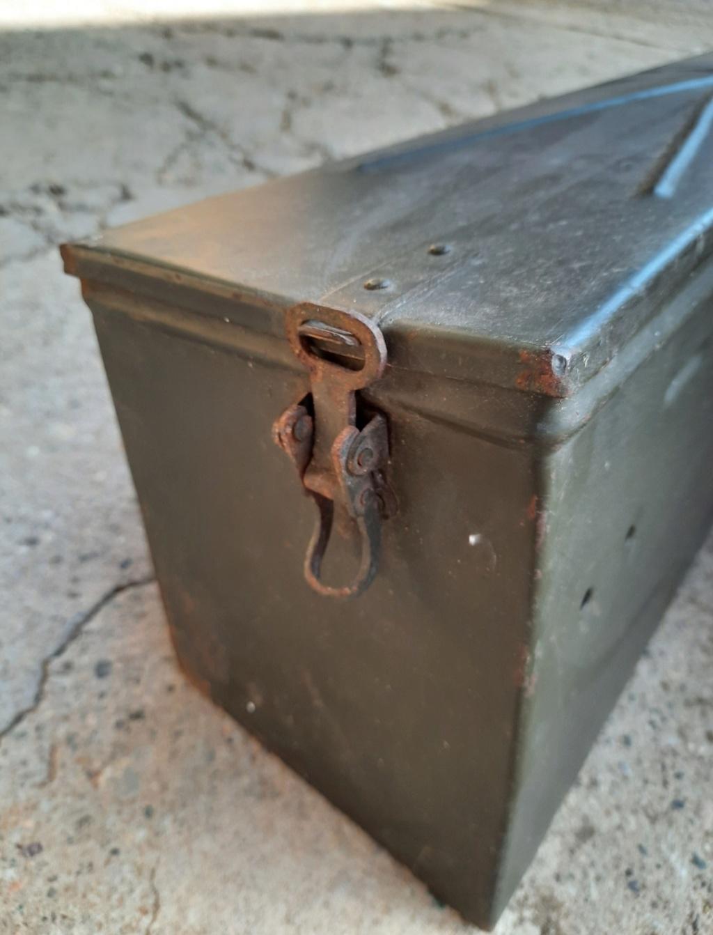 mes caisses allemandes ww2  (métal) - Page 2 20201133
