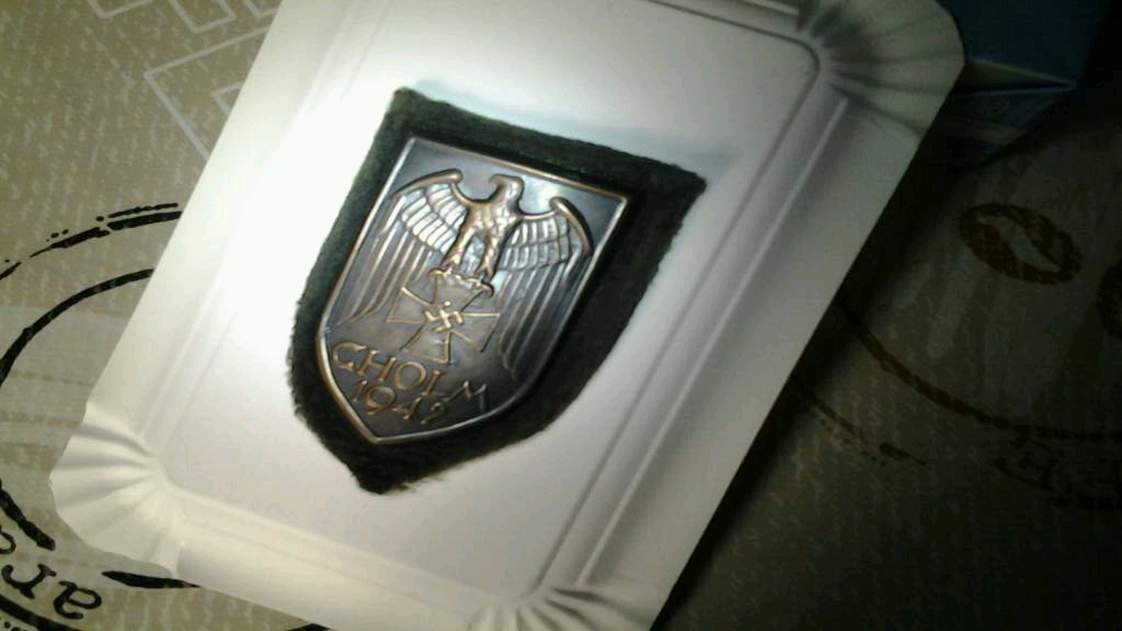 Une plaque de bras Cholm ! Insign10
