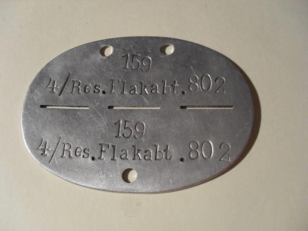 Identification épaulettes et autres... Lot2610