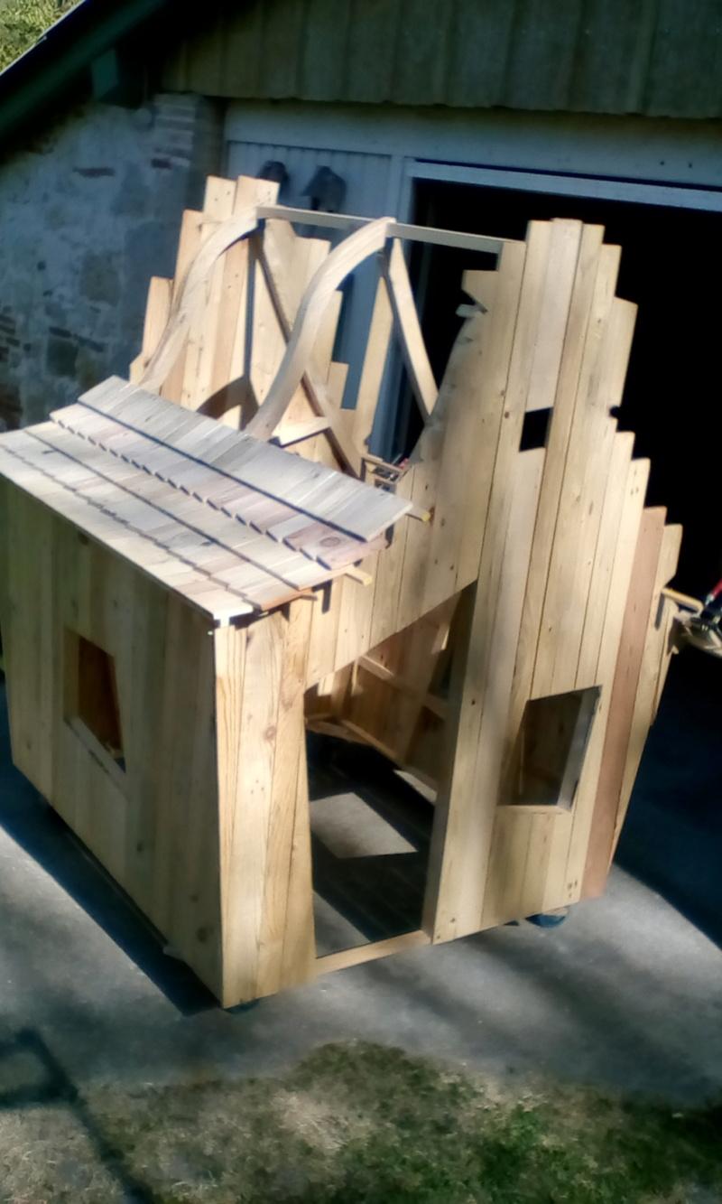construction cabane de sorcière,  quelle colle pour bardeau bois?  - Page 2 Img_2037