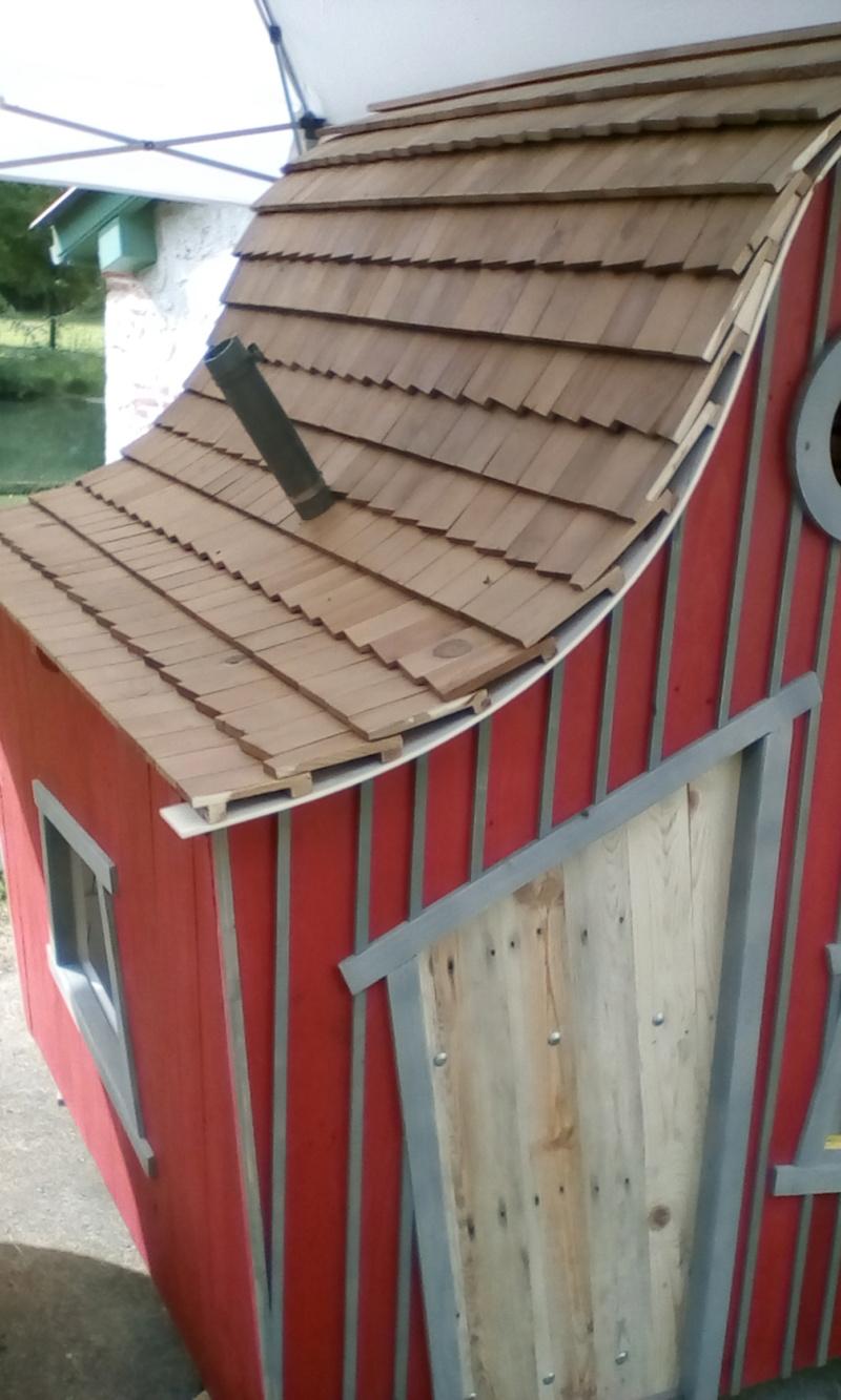 construction cabane de sorcière,  quelle colle pour bardeau bois?  - Page 2 Img_2052