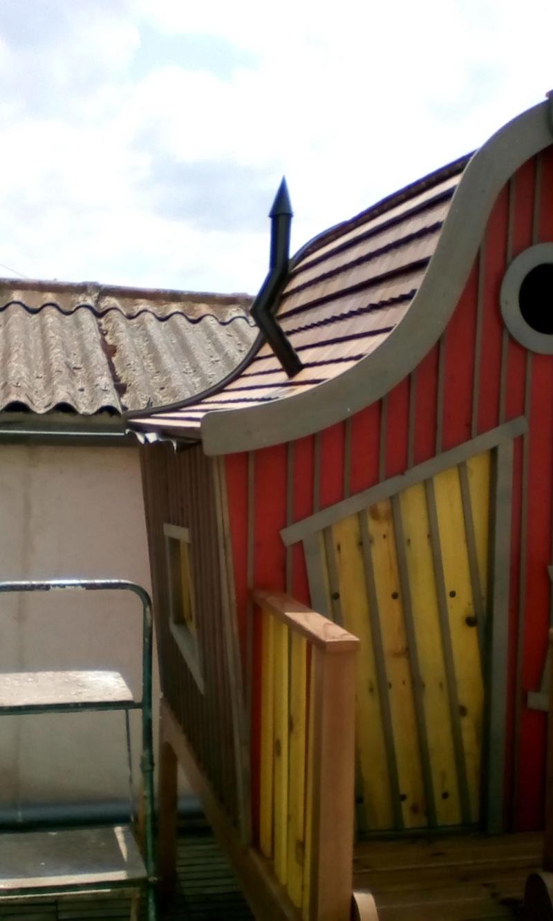 construction cabane de sorcière,  quelle colle pour bardeau bois?  - Page 4 Img_2072