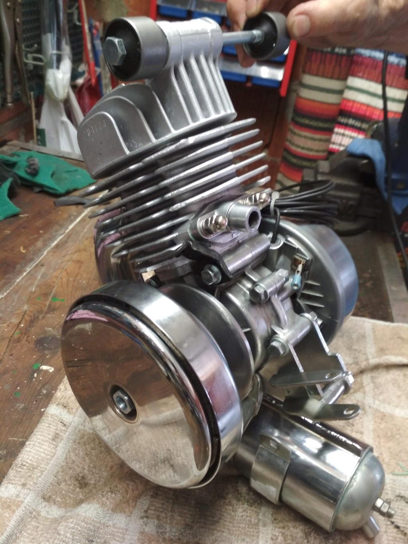 Tintineo metálico motor Img_2012