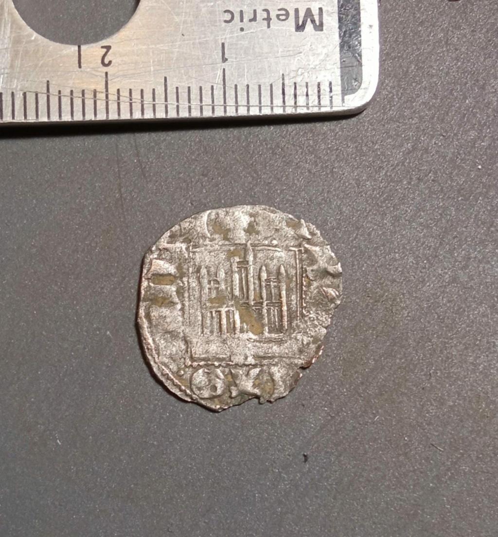 Dinero noven de Alfonso XI. Sevilla (1330/4 d C.) Whatsa13