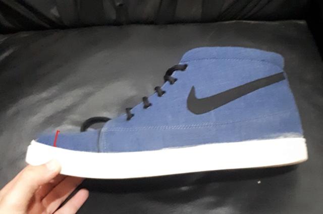 El hilo de las zapatillas Victoria 20210782