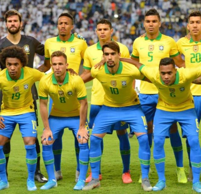 ¿Cuánto mide Thiago Silva? - Altura - Real height 20210840