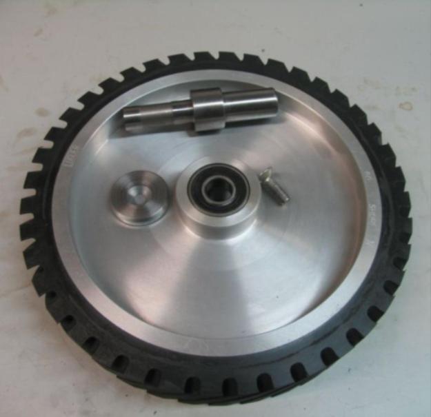 Projet de fabrication de backstand. Pb adaptation de roulement sur roue contact... Axe10