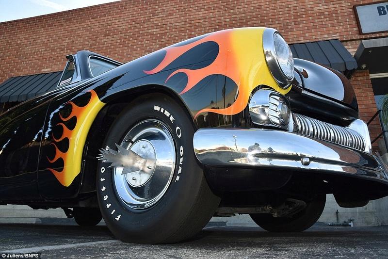 Hot Rod Célèbres : Hell's Chariot  549hel13
