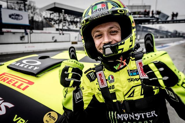 Rossi sur 4roues à MONZA gagne aussi ! Mch11311