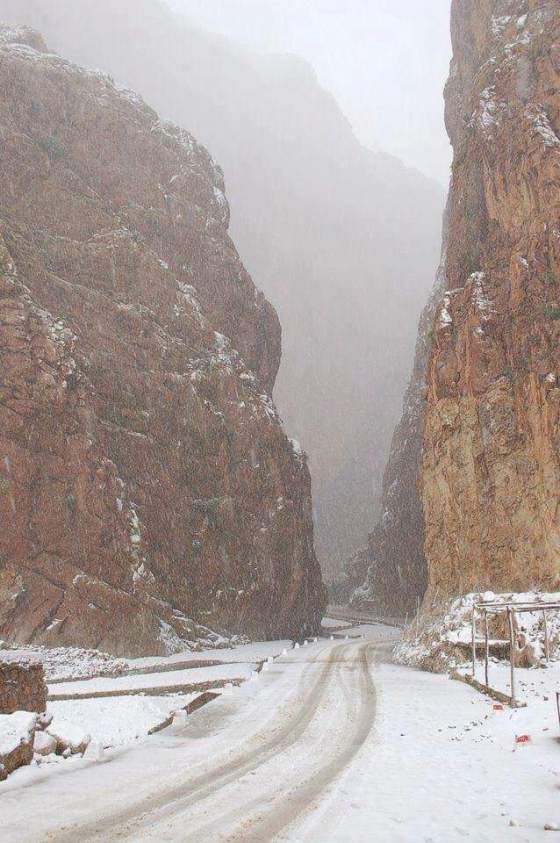 [Maroc/Méteo, saisons, heure] neige au maroc Gorges10