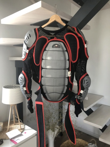 [vends] Gilet enduro taille M marque shot race Img_3411