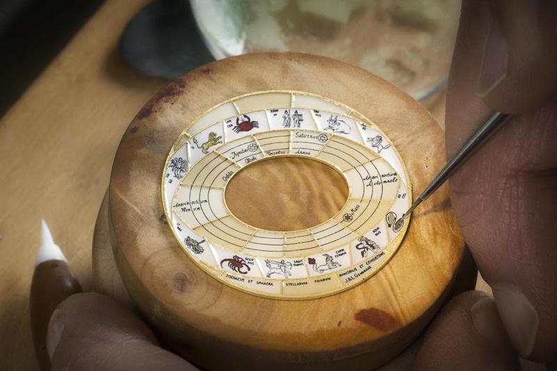 VACHERON CONSTANTIN : Métiers d'Art Copernic sphères célestes 2460 RT L_vach24