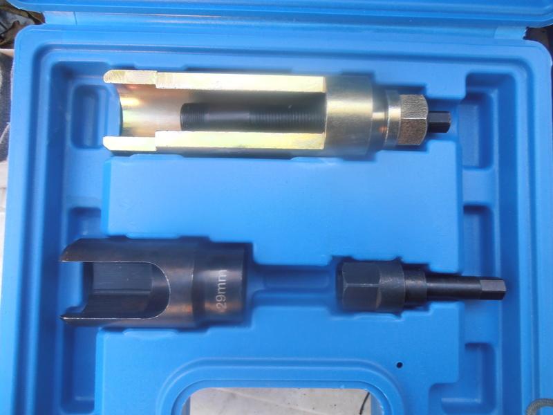changement injecteur 2.7 crd  Pb010012