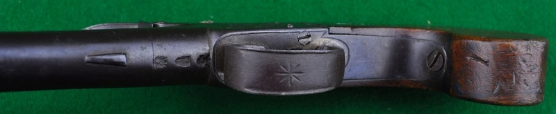 Identification poinçons et pistolet à silex. Nock_s10