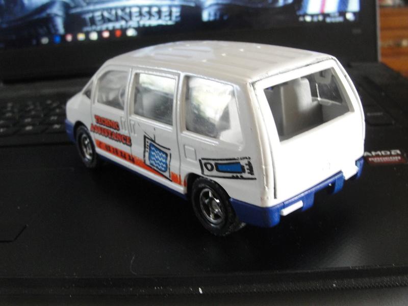N°3031 Peugeot 806 ambulance Dsc00931