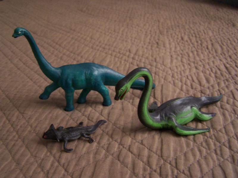 Les figurines Starlux : préhistoire, animaux, soldats etc... 100_5922