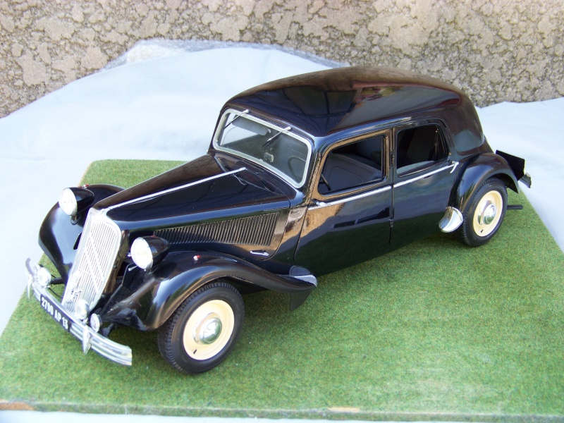 Citroën Traction Avant 15-6 au 1/8 100_6411