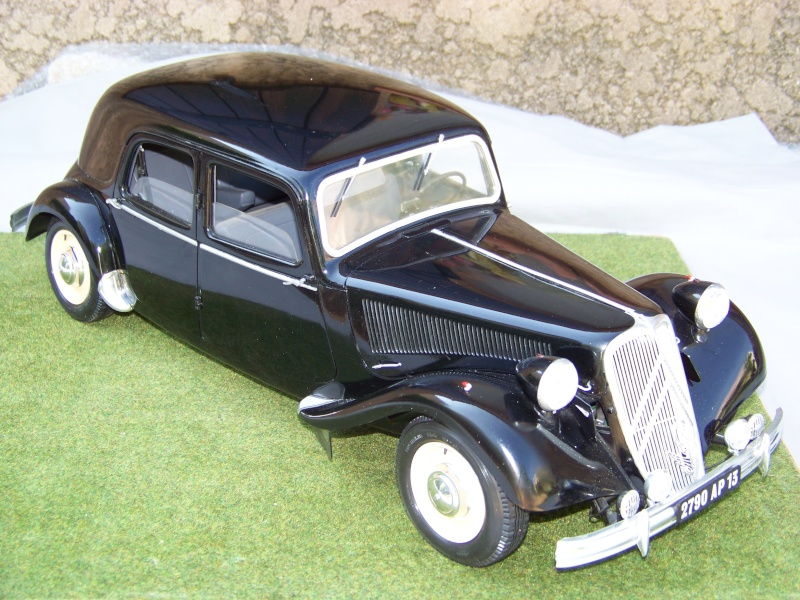 Citroën Traction Avant 15-6 au 1/8 100_6412