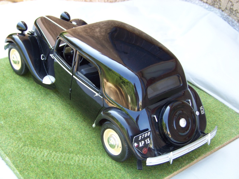 Citroën Traction Avant 15-6 au 1/8 100_6413