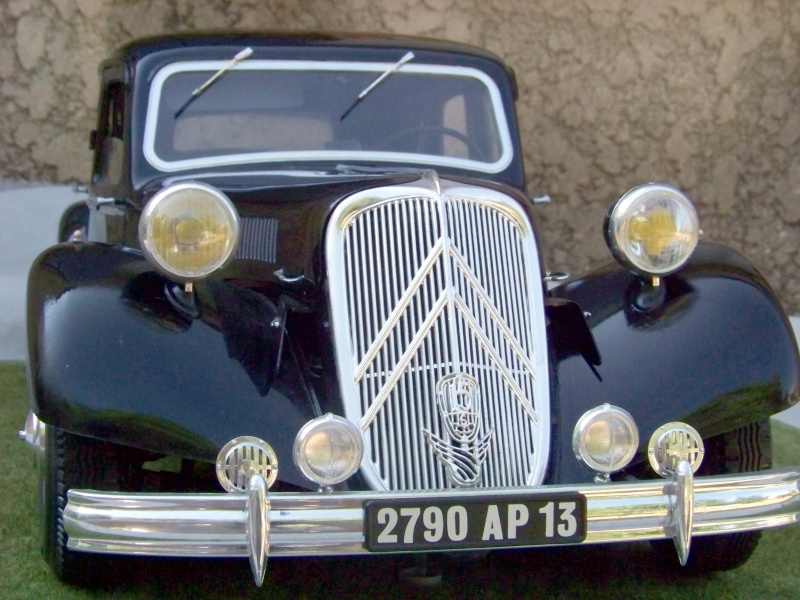 Citroën Traction Avant 15-6 au 1/8 100_6514