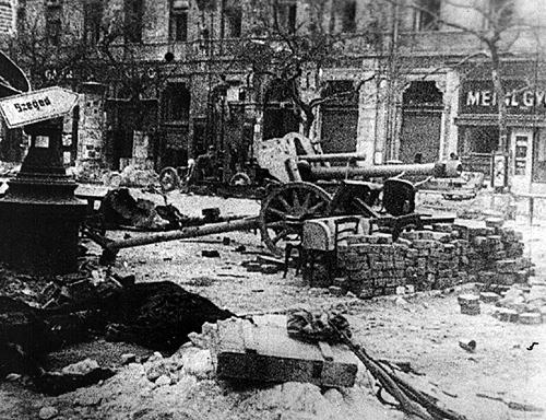 Bataille de Budapest - 29 déc 1944/13 fév 1945 Rue10