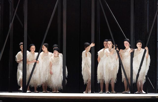 Opera Royal de Wallonie - Page 8 Maytri10