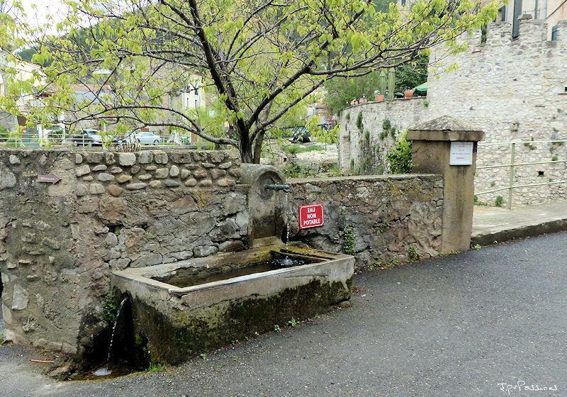 Fontaines de France et d'ailleurs - Page 2 P1160810