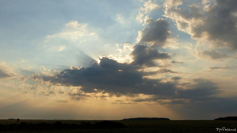 Au-dessus des nuages, il y a toujours du soleil. P1300313