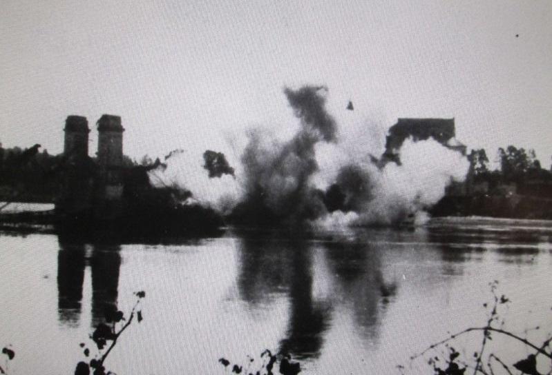 Les Chasseurs en mai-juin 1940. - Page 2 Pont_d11