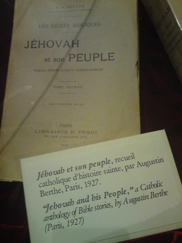 Le nom de Jehovah dans les romans ou livres! Dsc00212