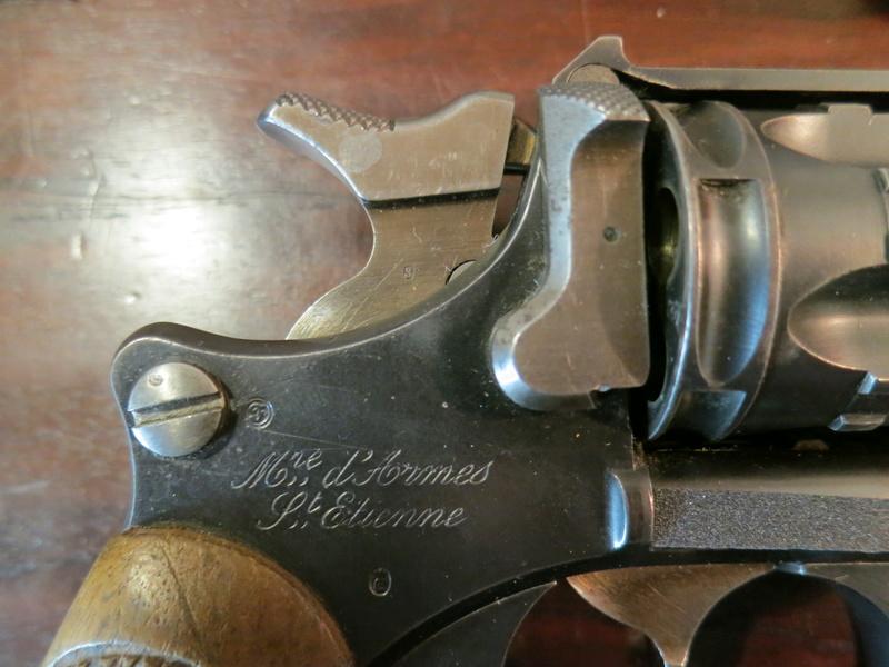 Révolver Réglementaire français modèle 1892 Img_1822