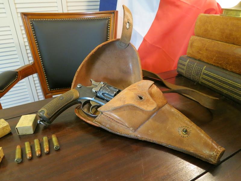 Révolver Réglementaire français modèle 1892 Img_1824
