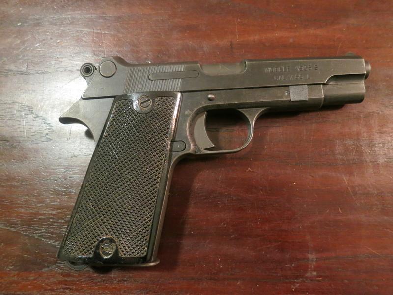 """Pistolet réglementaire MAS Modèle 1935 """"S"""" Img_2236"""