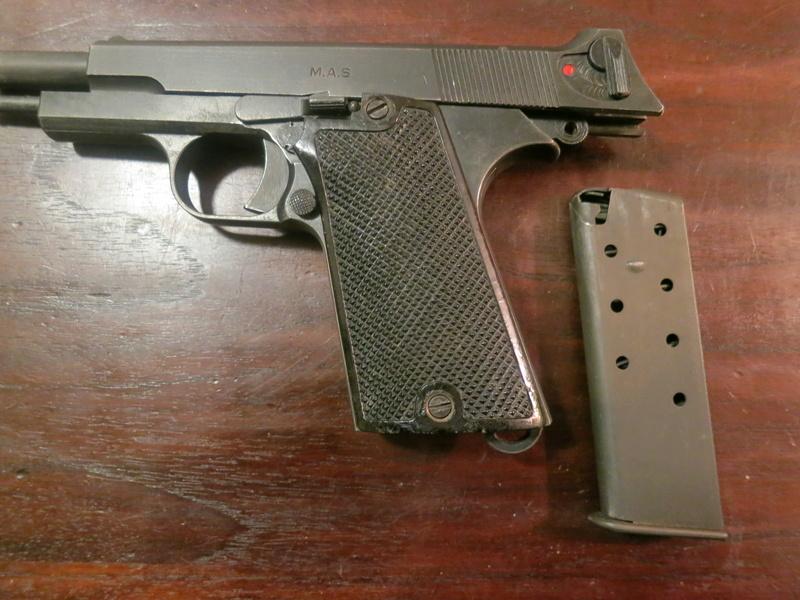 """Pistolet réglementaire MAS Modèle 1935 """"S"""" Img_2245"""