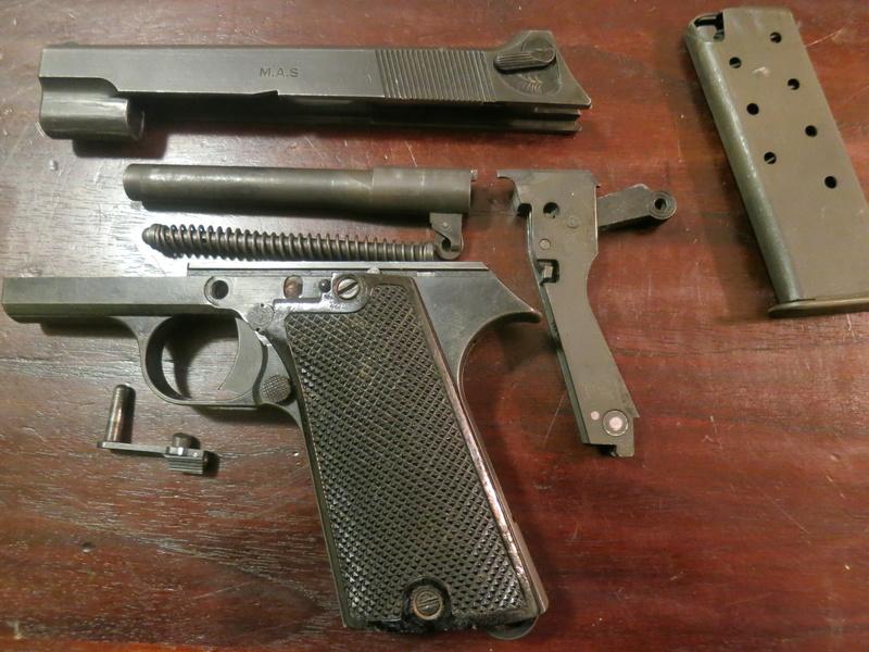 """Pistolet réglementaire MAS Modèle 1935 """"S"""" Img_2250"""
