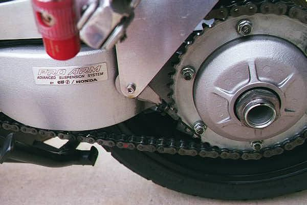 moto ELF 750-vf10