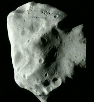 Rosetta : survol de l'astéroïde Lutetia - Page 2 Image810